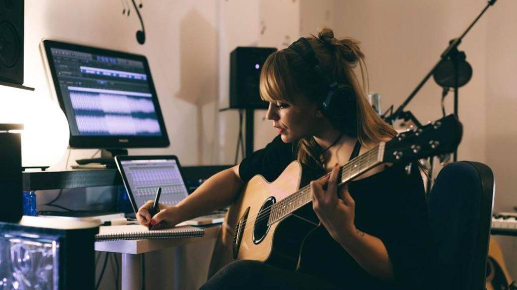 آموزش موسیقی مجازی